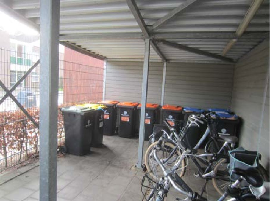 Containers in fietsenstalling